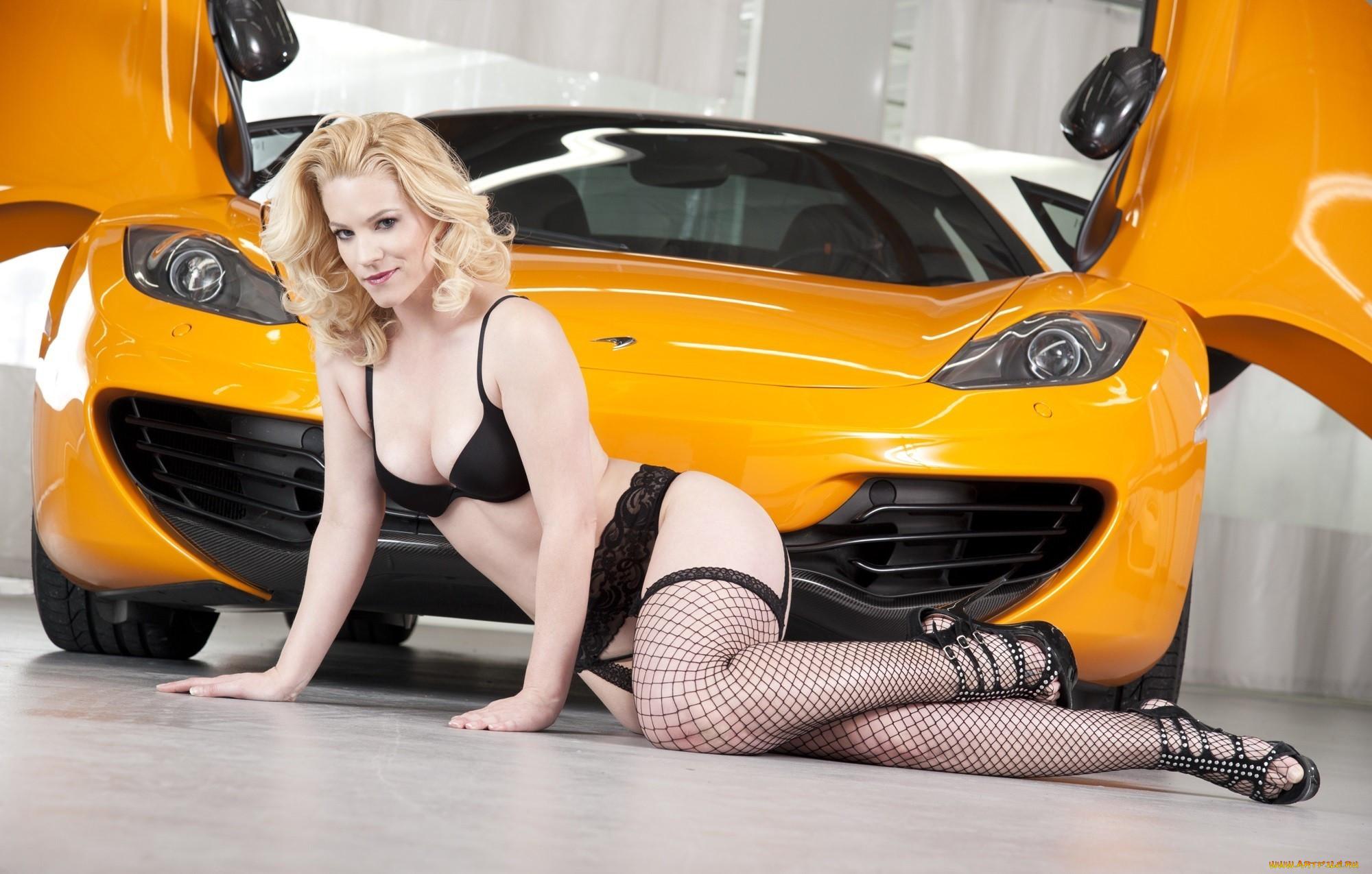Машины и голые девки фото этом